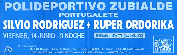 Silvio Rodríguez con Diákara en Portugalete (Bilbao 1991). © Archivo Alberto Montoya Alonso